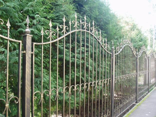 Кованый забор для дачи